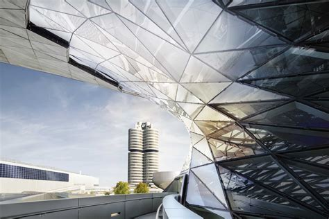 BMW Group combines successful core business with future