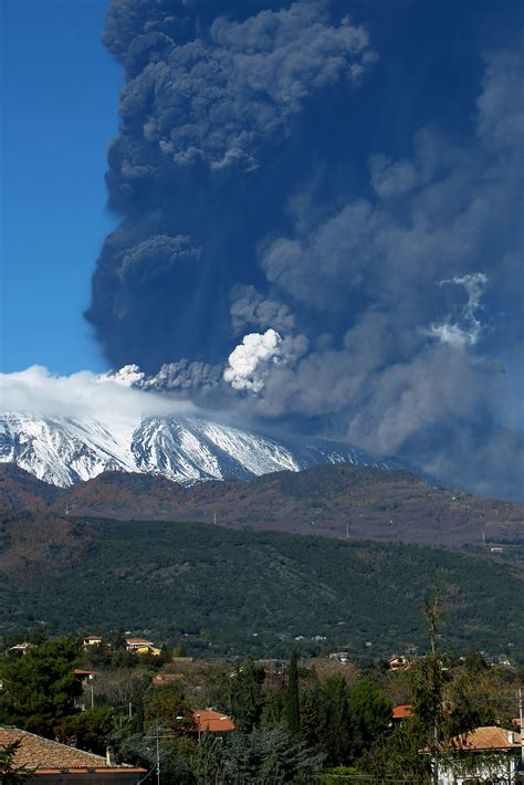 Mount Etna erupts in Italy - The Blade