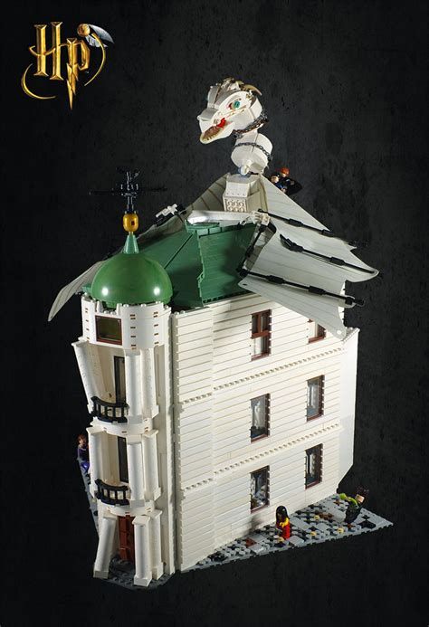 Harry Potter and the Escape from Gringotts in LEGO   The